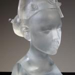 Buste de jeune femme, Sculpture de Mauro Corda réf. 050525. épreuve 1/8. 05/2005 dimensions 24x16x39 cm