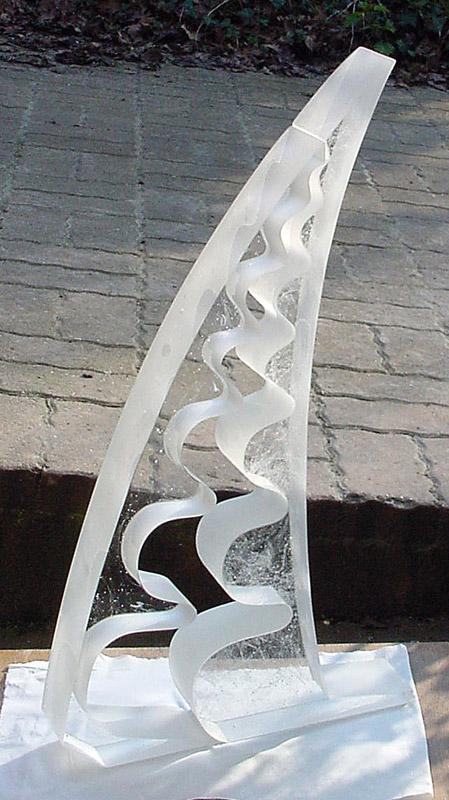 Gigogne, Sculpture de Bernard Chasteau. 03/2002