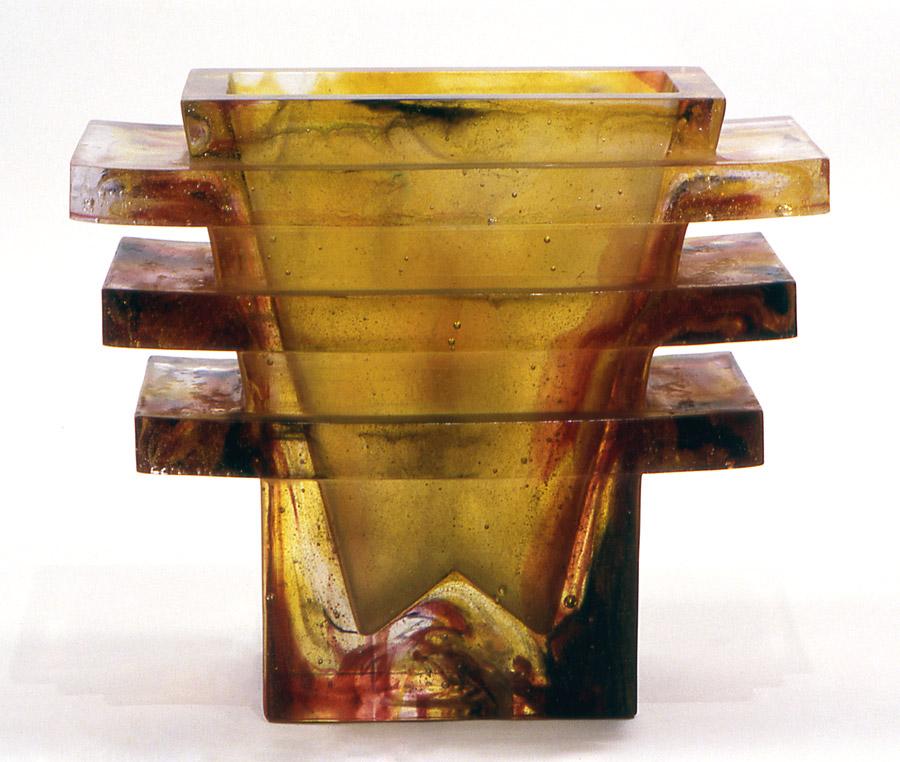 Grand vase pagode, Modèle de 1986 réf. 324AEL. 11/1986 dimensions 25x11x20 cm