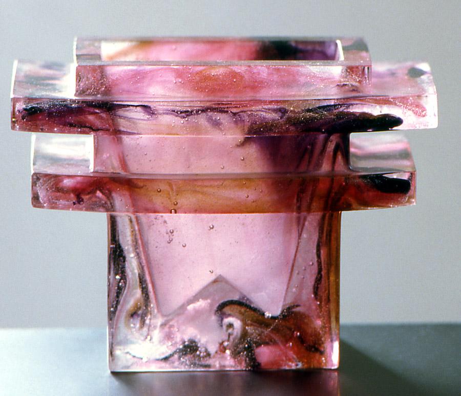 Petit vase pagode, Modèle de 1986 réf. 407AEL. 01/1988 dimensions 23x11x17 cm Photo Gilles de Chabaneix