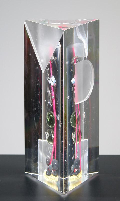 Trophée HPM Saint-Gobain, desing Alexandre Wimmer pour Saint-gobain 09/2005. dimensions 10x10x22 cm