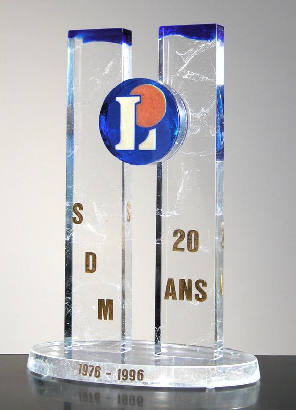 Trophée SDM Leclerc, Trophée Centre Leclerc Bernay épreuve 1/1. 12/2004 dimensions 23,5x14,5x33 cm